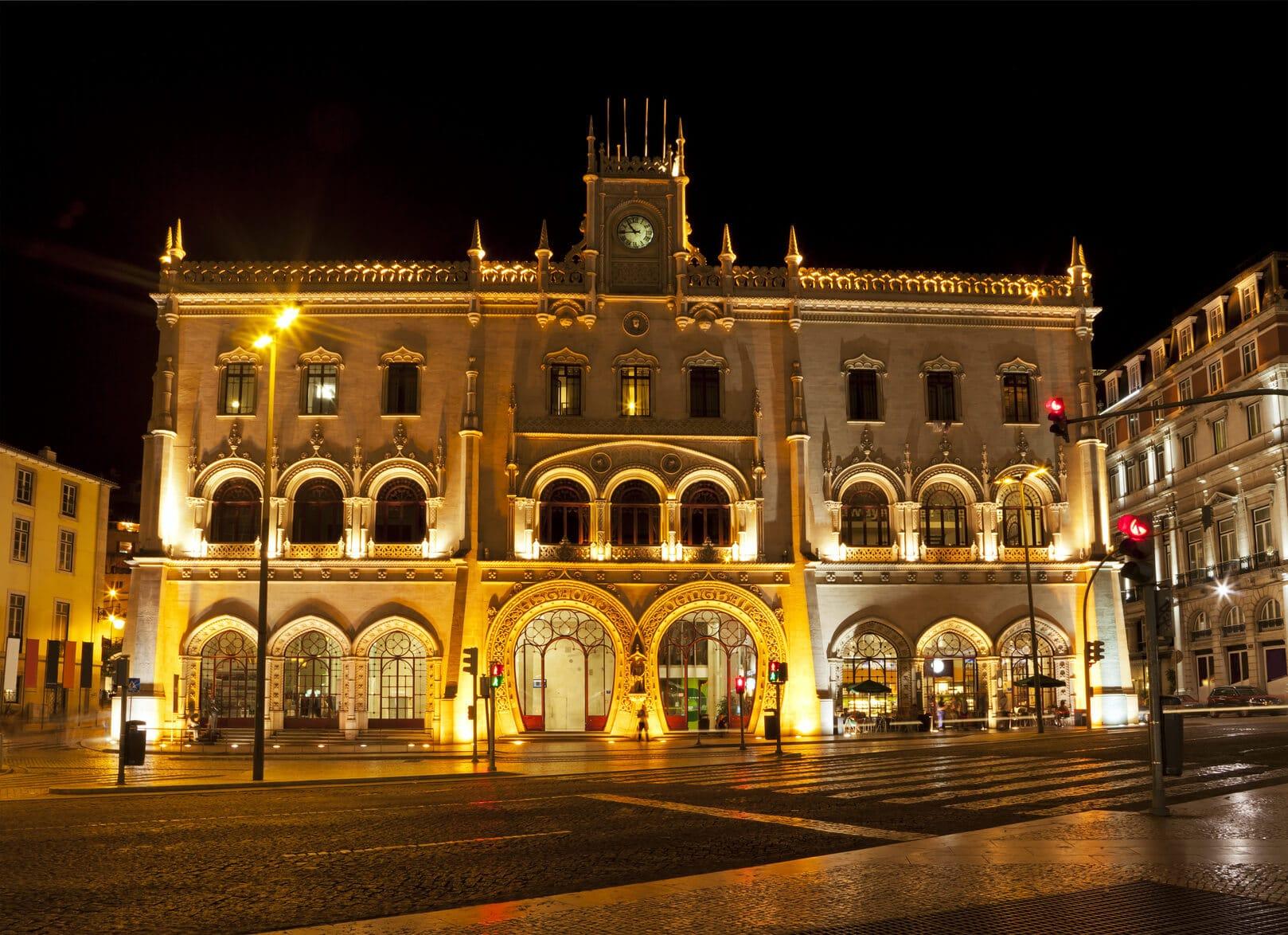 Fado Tour Lisbon | Fado Music Lisbon | Van Go Tourism