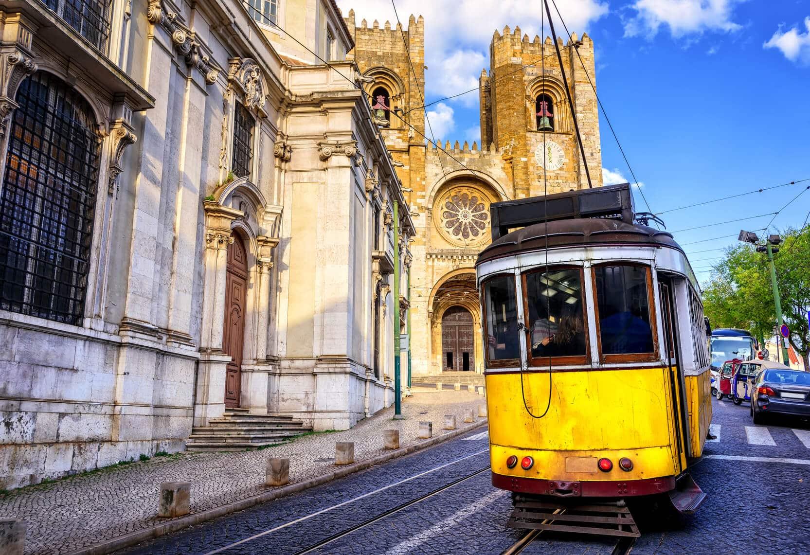 Lisbon Tours | Lisbon in a Day | Van Go Tourism
