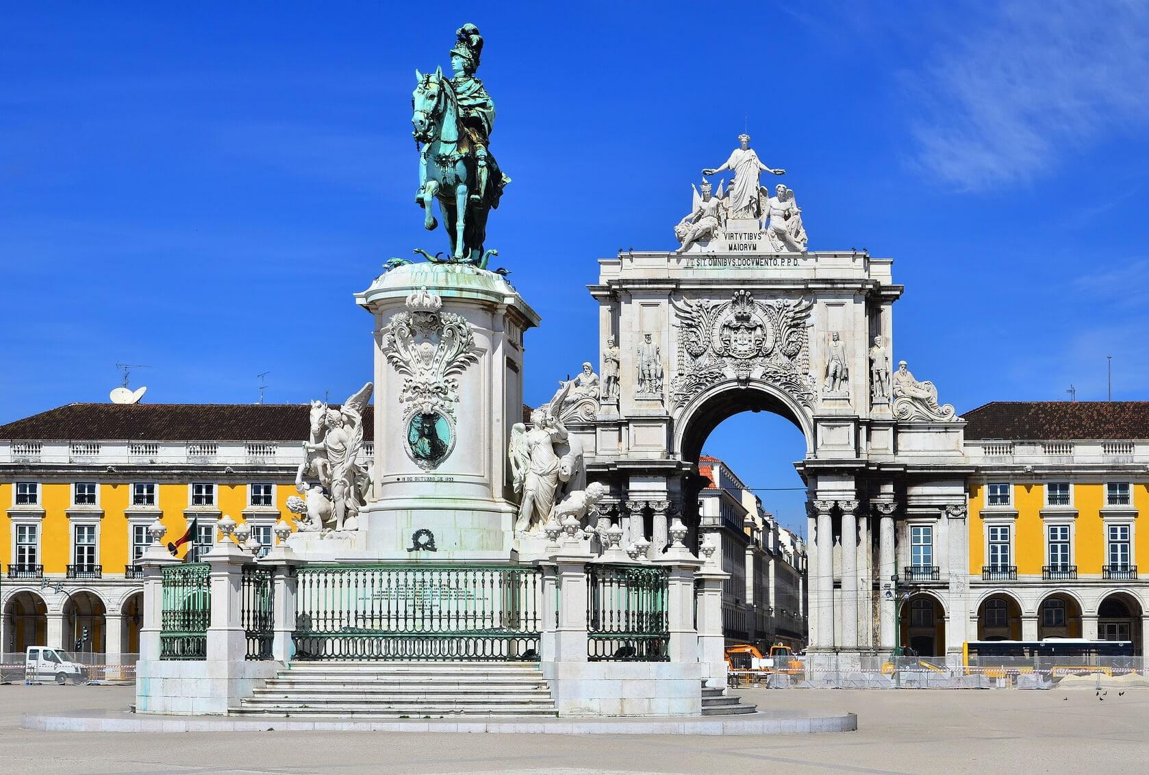 Circuito Lisboa, Sintra, Fátima : Praça do Comércio